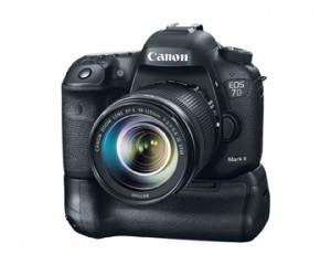 Canon EOS 7d Mark II Front with lense